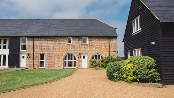 Mocketts Farm Cottages - for Kent cottage holidays